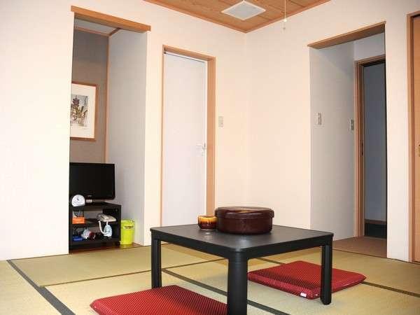 和室 (木の香りが心地良い新畳のお部屋)