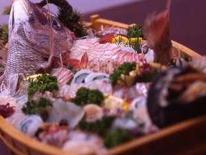 新鮮な来島鯛の舟盛り(一例)