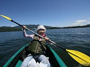 桧原湖で宿泊パックカヌー体験1750円より1日コースランチ付き4750円(要予約)