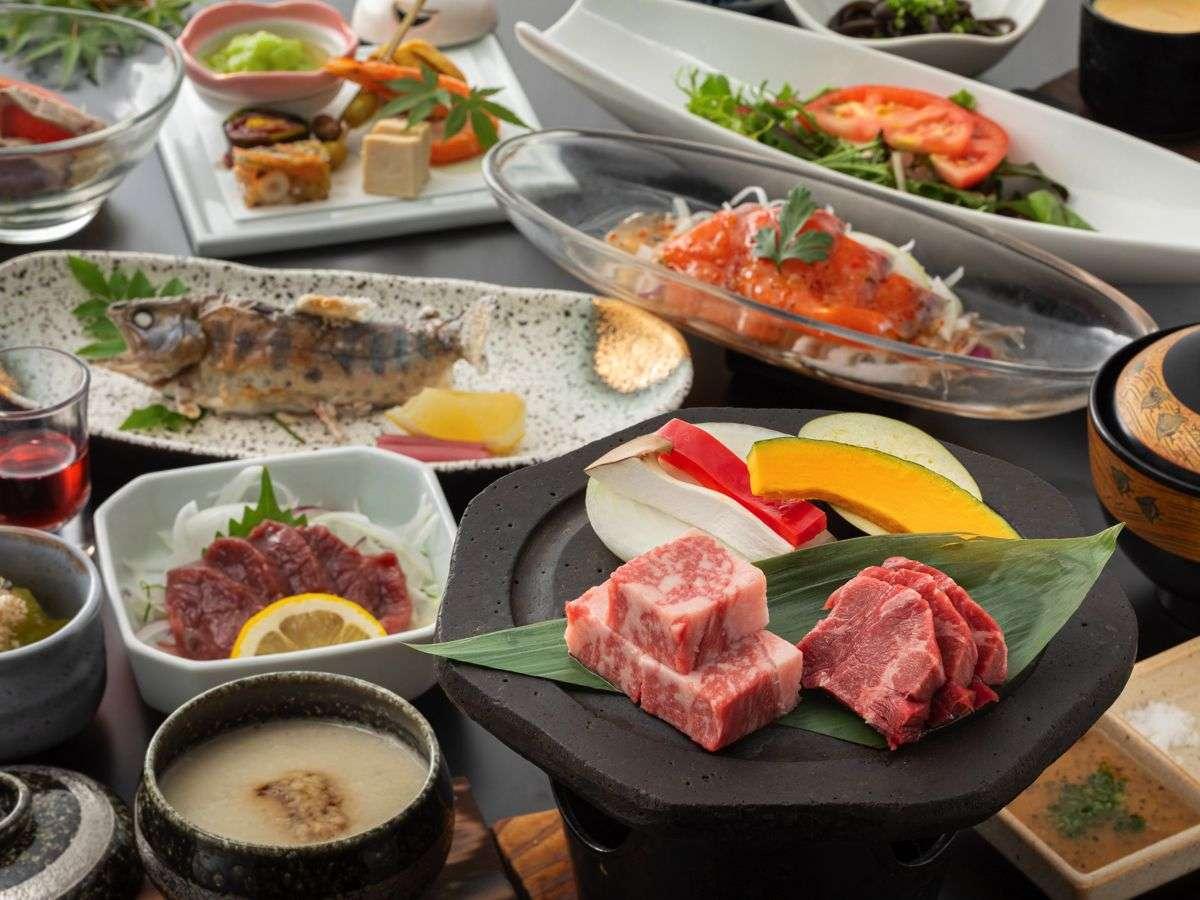 【夕食】阿蘇の恵みプランでは阿蘇のあか牛食べ比べを楽しめる/例