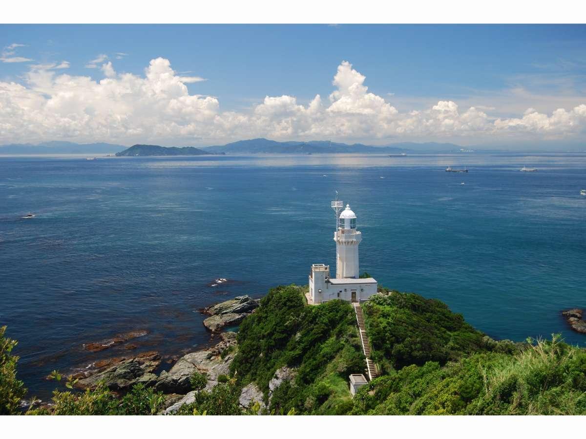 椿山展望台から見た佐田岬灯台