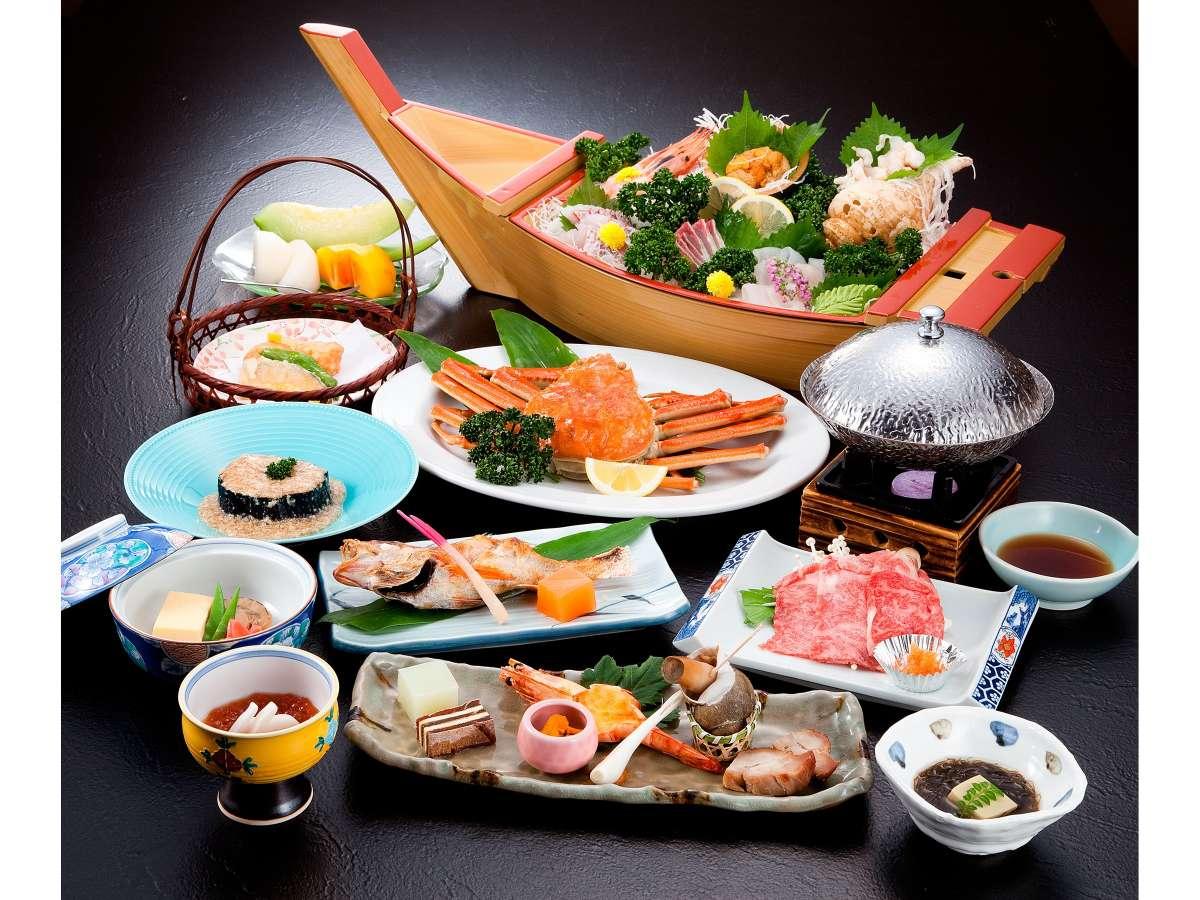 村上牛・ズワイガニ・海の幸が彩る舟盛り・・・贅沢が詰まった特別会席料理