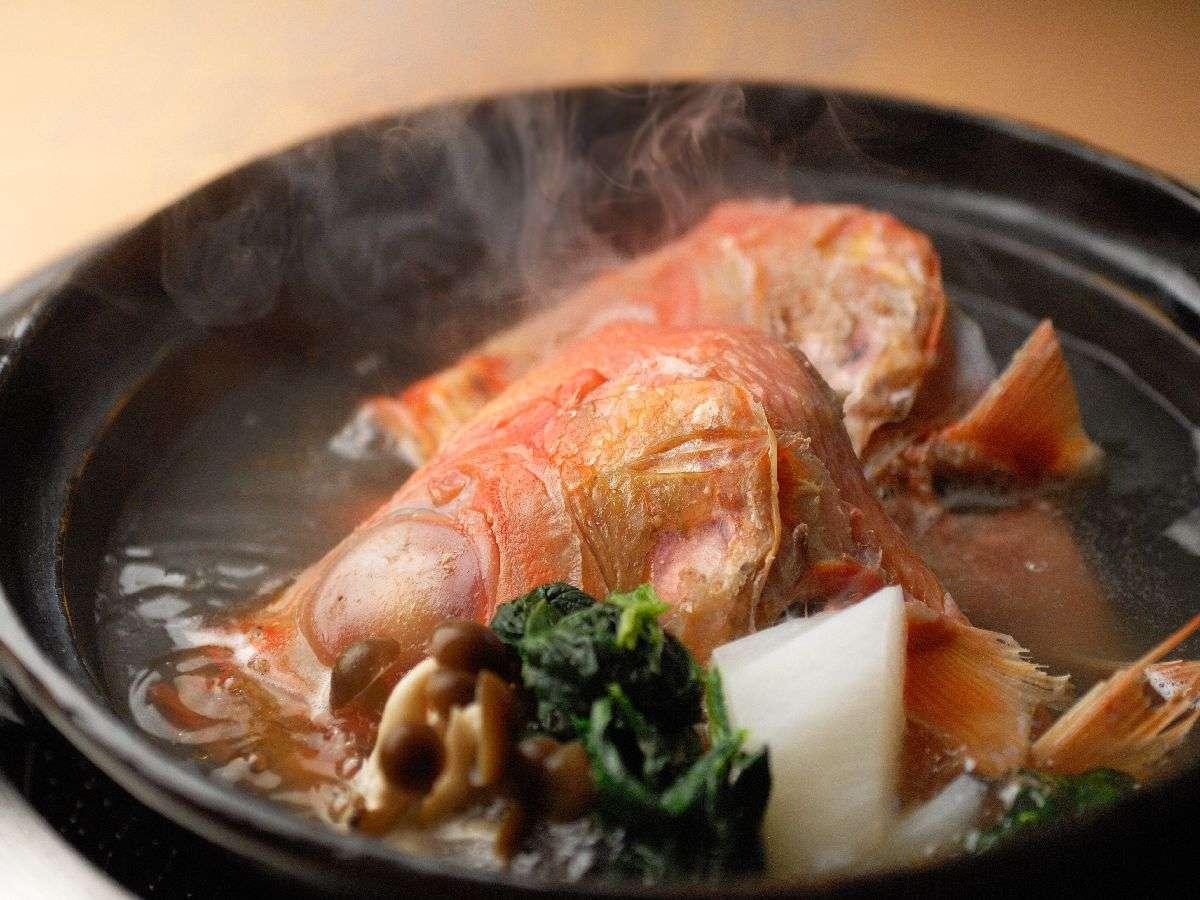 """下田大和館 【ダイニング""""海""""の名物】金目鯛の塩炊! *コースにより付かない場合もございます。"""