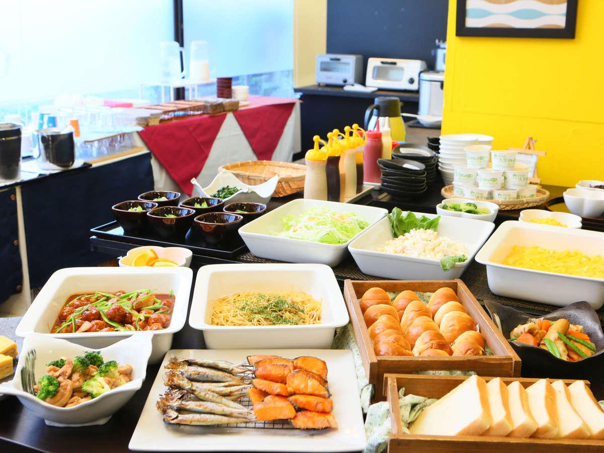 【朝食】和洋食ビュッフェ形式でご提供しております(盛付けイメージ)