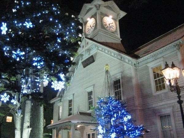 【札幌時計台 (冬)】あたたかく札幌市民を見守っています