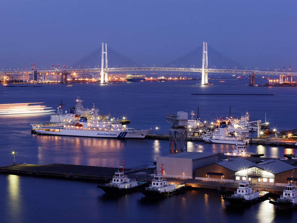 【客室からの景観】横浜港を一望できるベイビューはベイフロントのホテルならでは