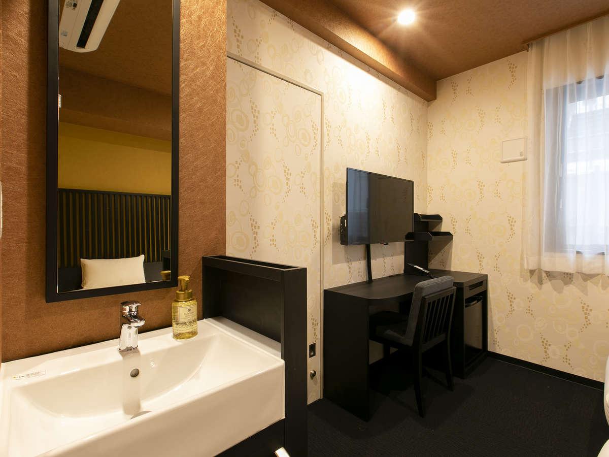 【客室】コンフォートツイン/モデレートツインは洗面台が独立(一例)
