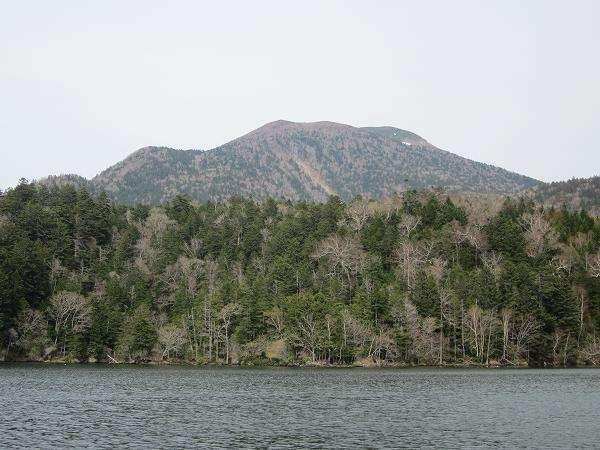 夏の阿寒湖と雄阿寒岳