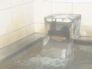 湯口からは飛騨高山温泉が・・・