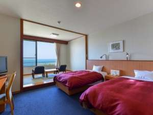 全客室から日本海を一望(和洋室)