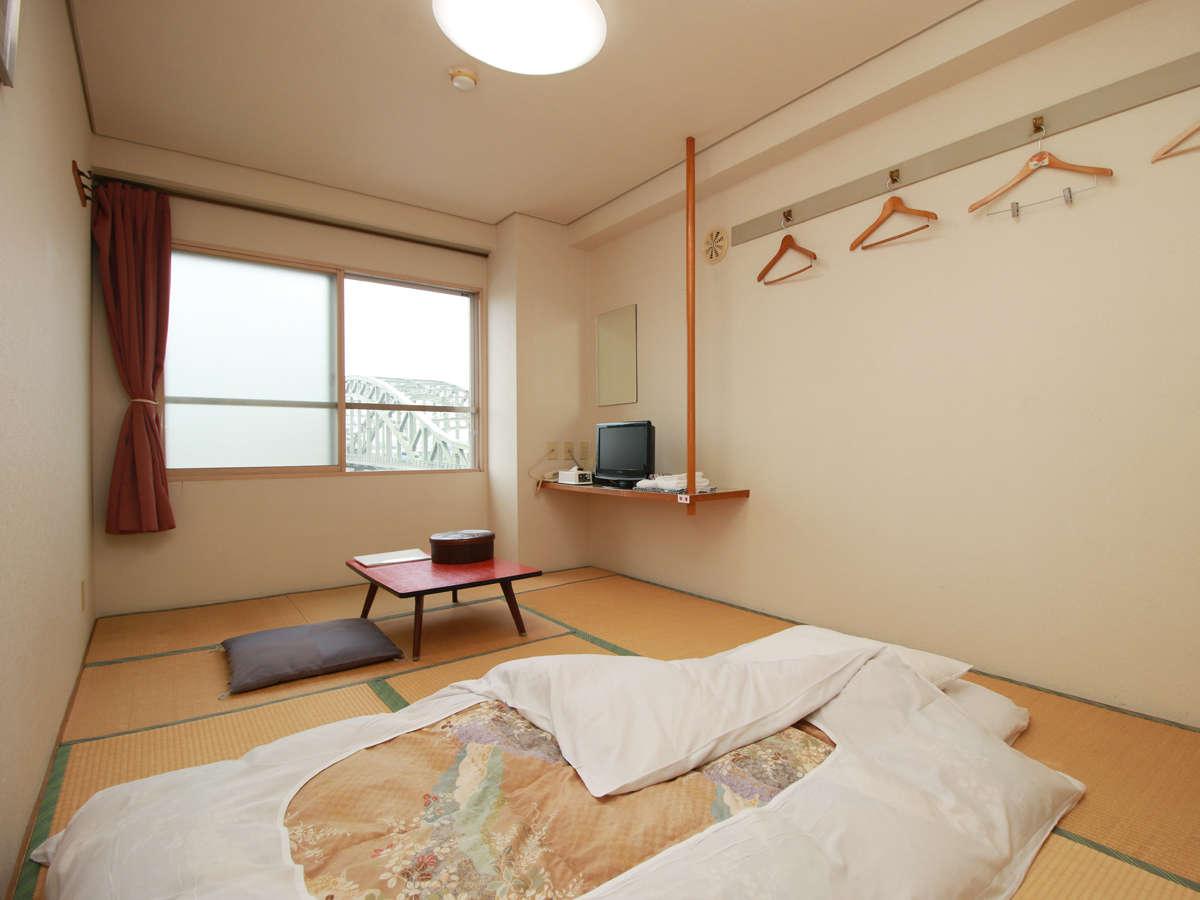 ■お部屋_お布団派の方には嬉しい和室!人数に応じた広さのお部屋をご用意いたします。
