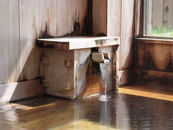 当館のお風呂は、柔かな泉質なので、お子様からお年寄りまでのんびりつかれます。