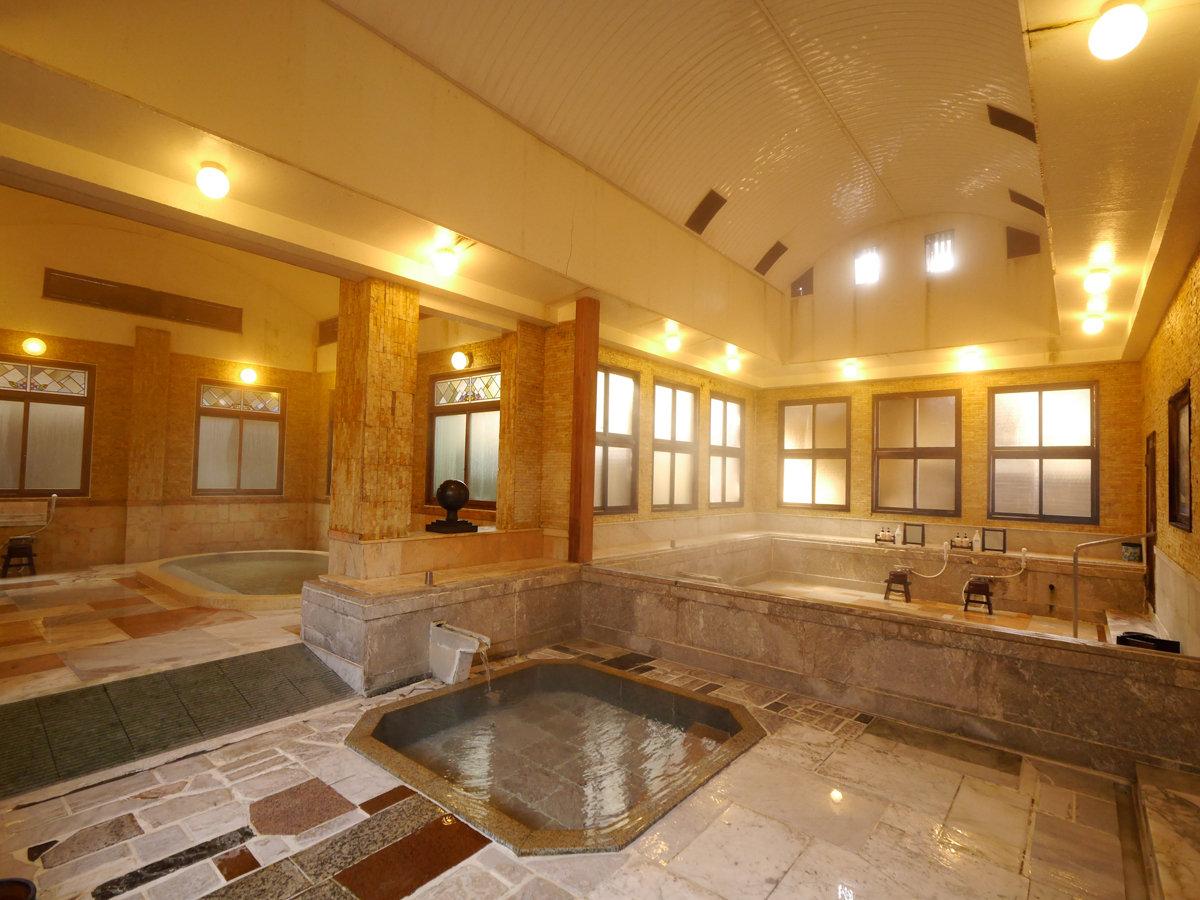 大正浪漫を感じる大理石造りの内風呂