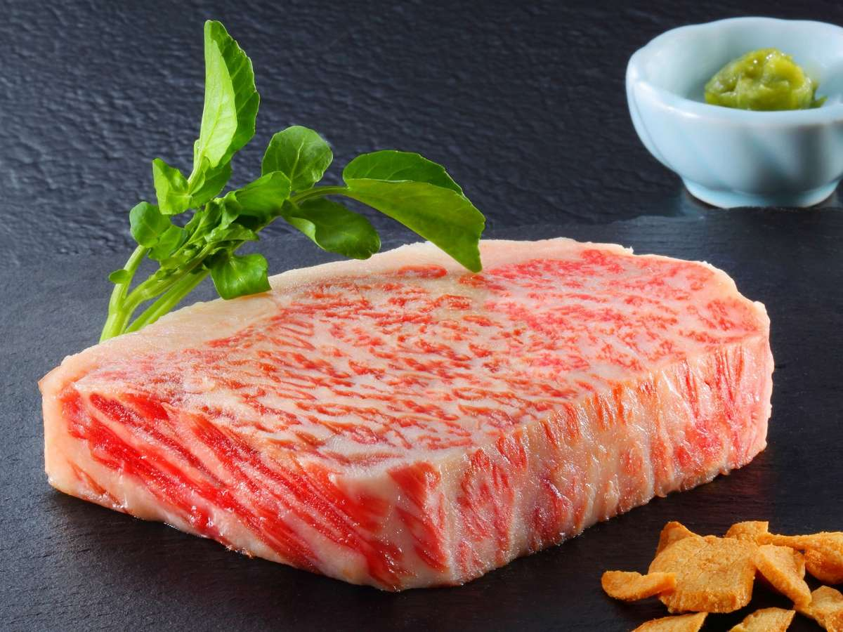 【蔵饗人】<メインディッシュ>鉄板焼きは『仙台牛』でご用意します(季節によって内容変更有)