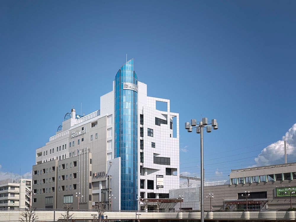 【外観】駅から徒歩1分…駅に隣接しております。駅ビル宇都宮PASEOと同じビルです。