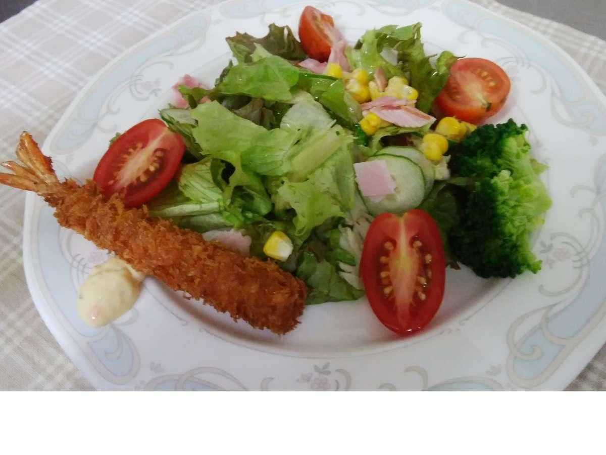 新鮮6種野菜とハム、エビフライの盛り合わせ