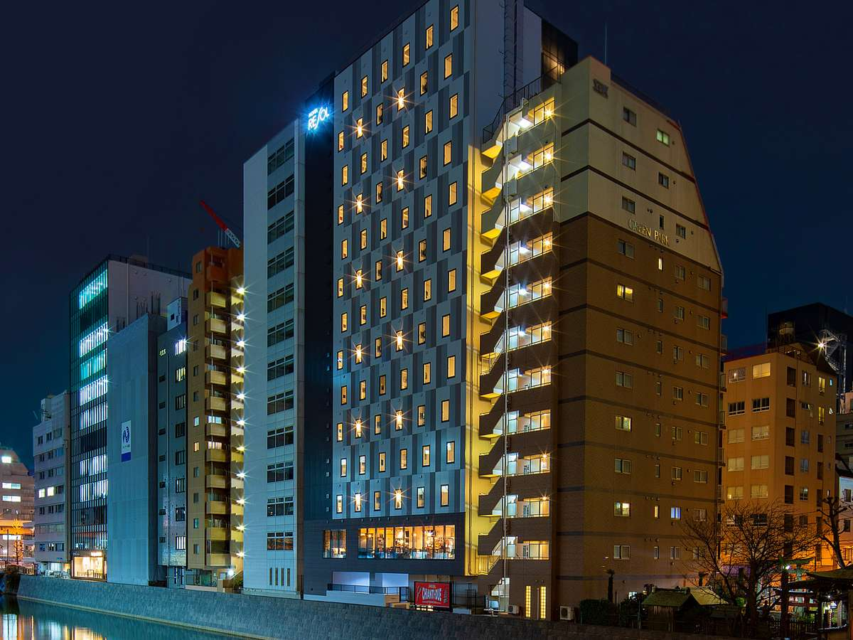 ホテル外観☆神田川沿い♪
