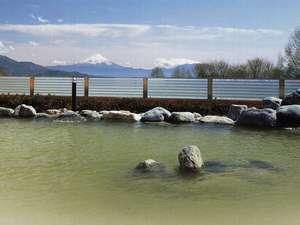 パノラマの湯(徒歩5分)の露天風呂