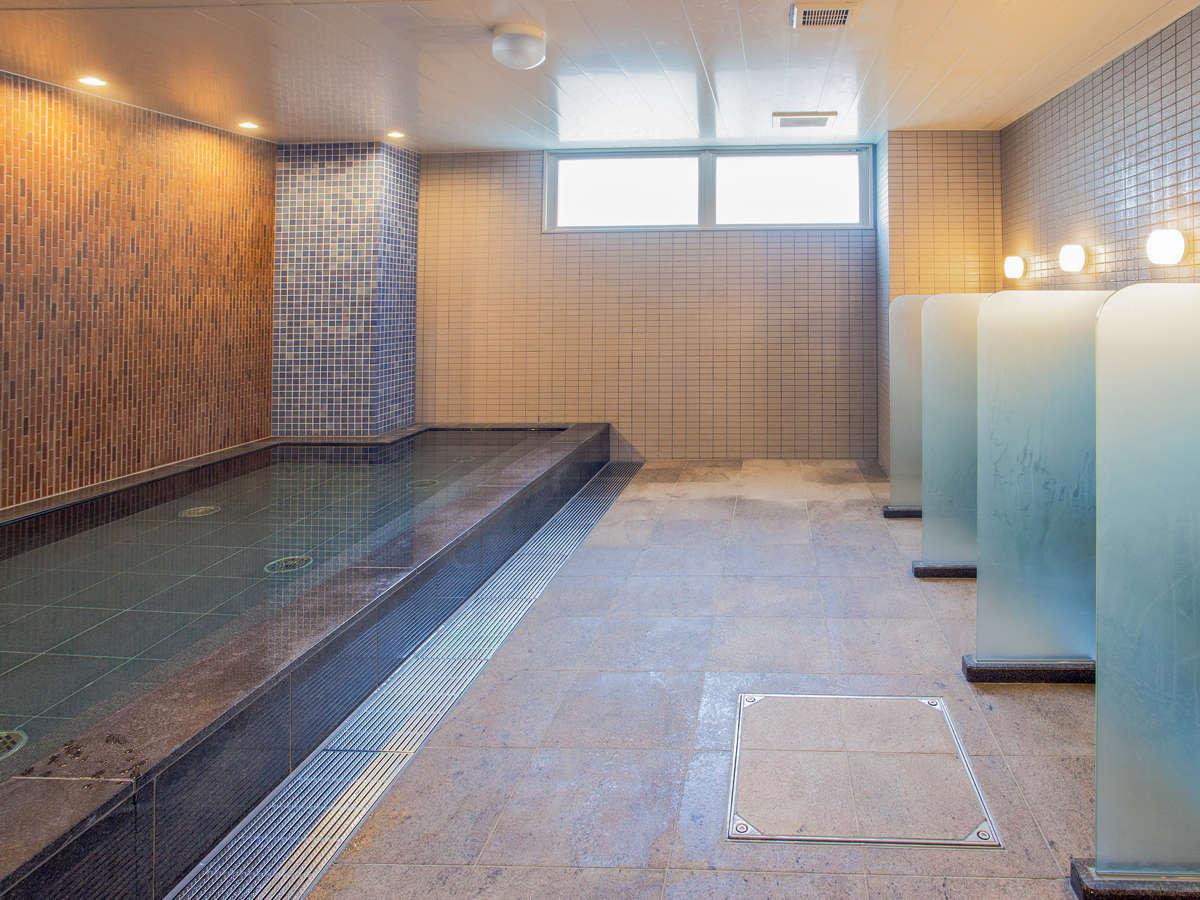 お仕事・ご旅行のお疲れを癒やして頂くために大浴場を完備しております。