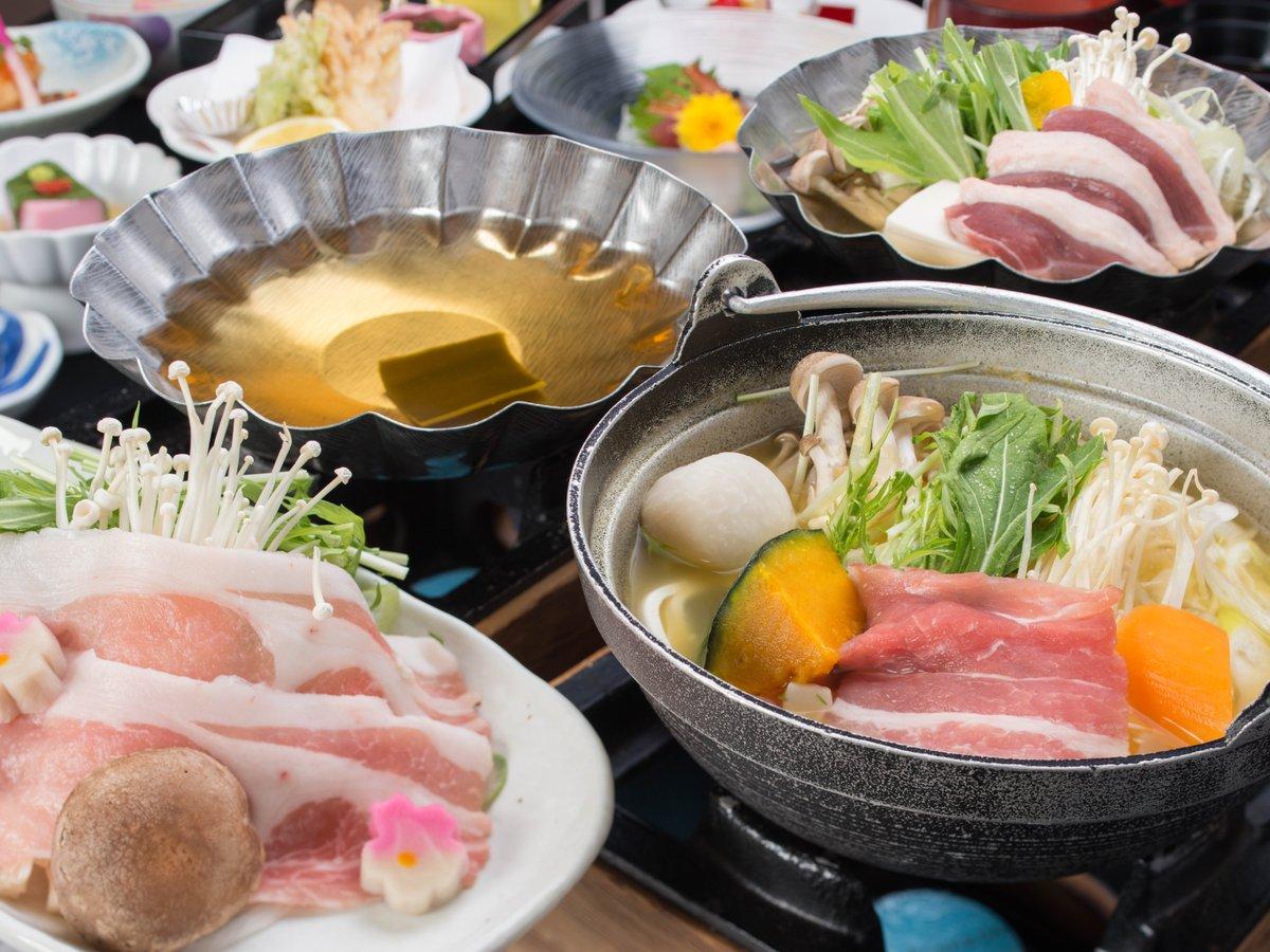 *<ご夕食一例~選べる3つのお鍋 花宴御膳~>山梨甲州甲斐路ならではの味覚を是非ご堪能くださいませ。
