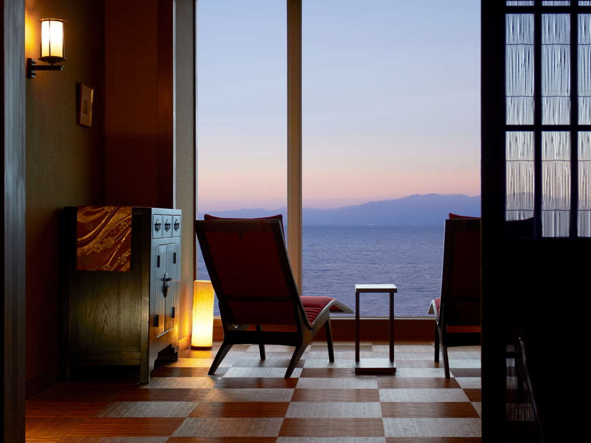 5階展望所:朝日を見ながら時の移ろいを感じて
