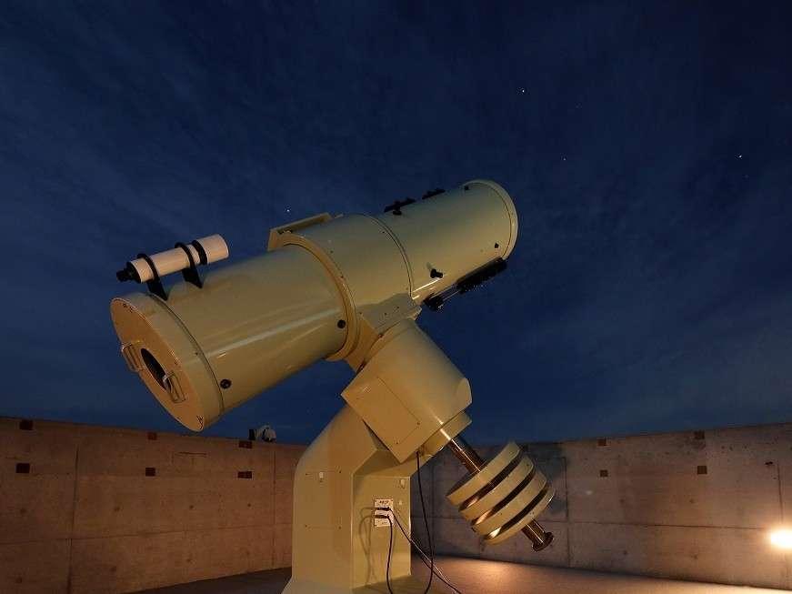 大型望遠鏡で天体観測