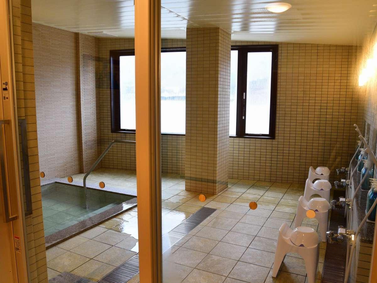 天然温泉掛け流しの女性用浴場です。