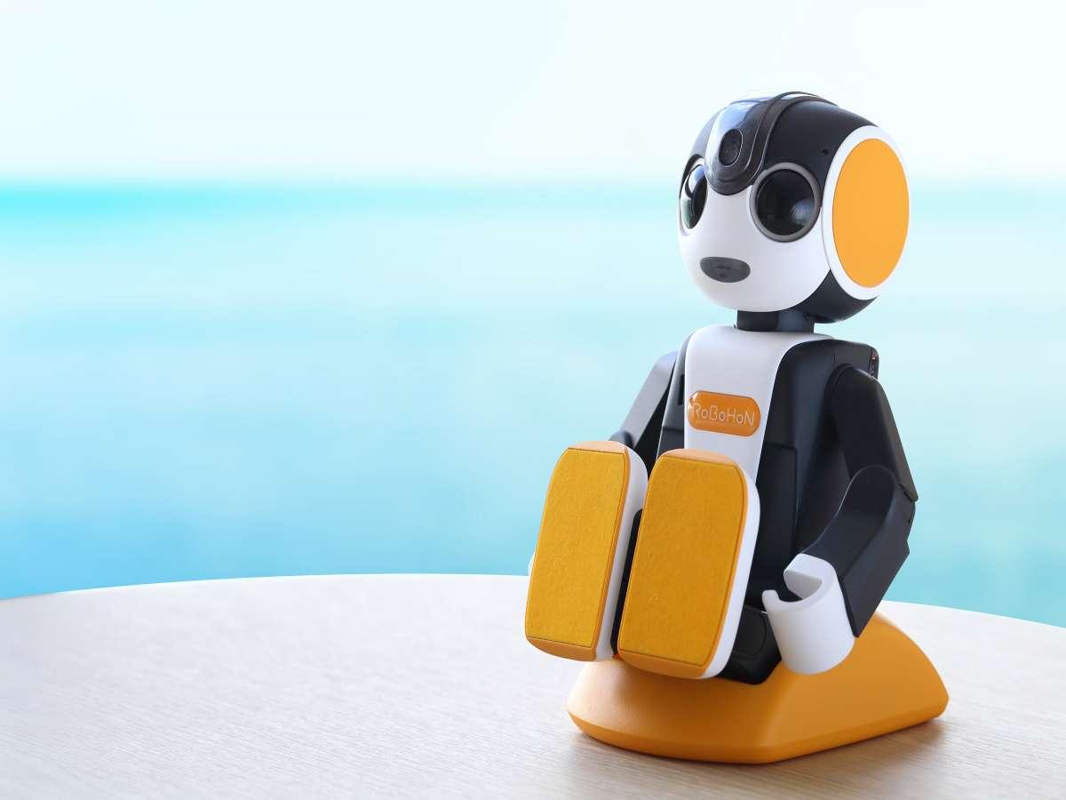 【客室ロボホン】ココロを、前向きにしてくれるロボット♪ツイン ベイフロントに完備しております。