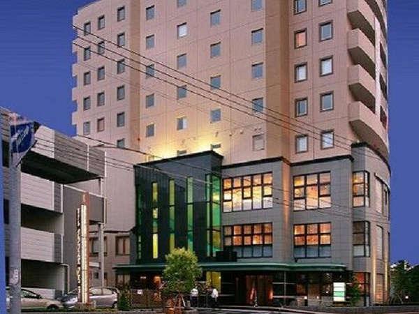 天然温泉(ph10)が楽しめる。近代的なホテルアクセスも便利