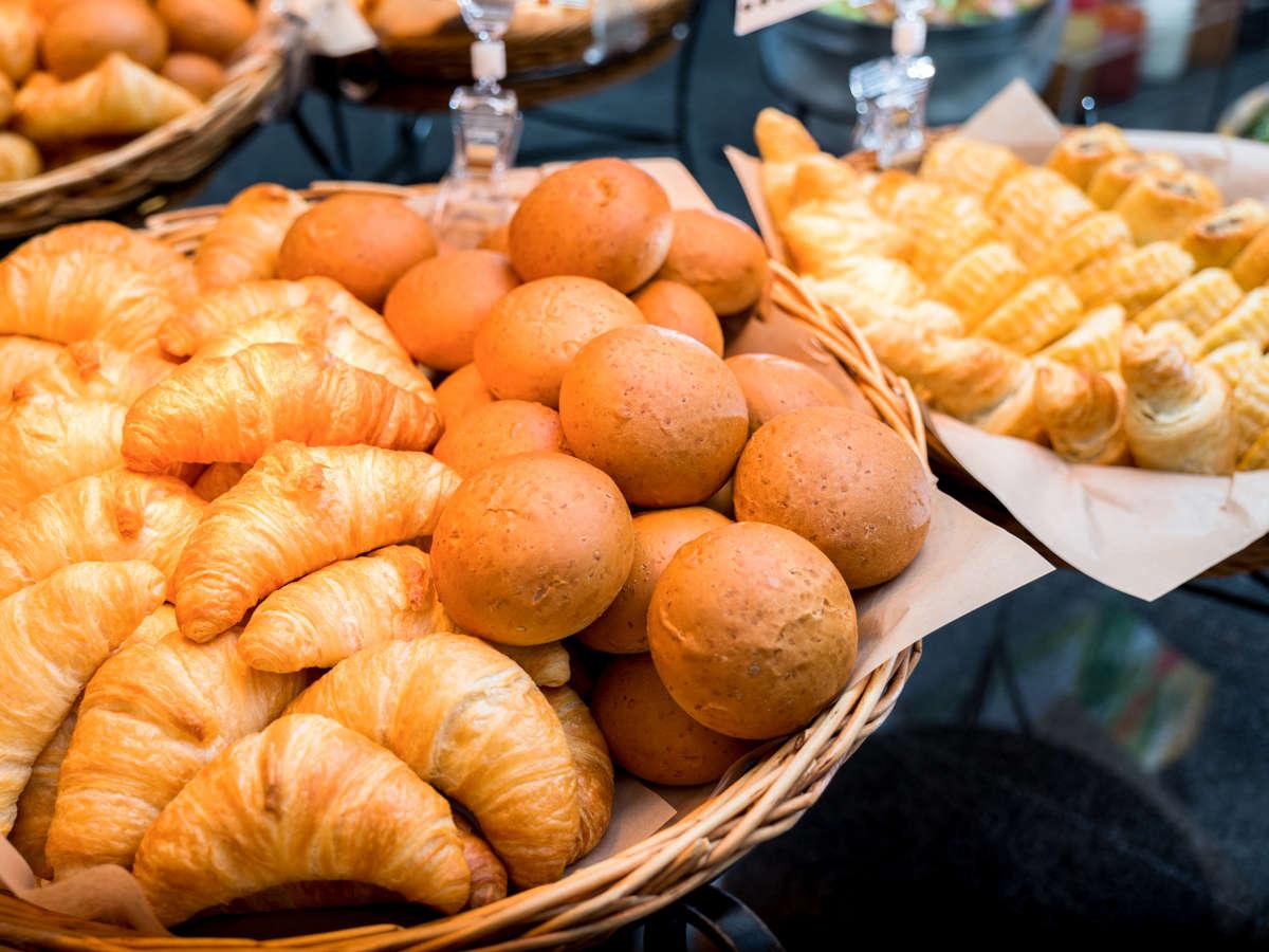 焼き立てパンを毎日提供♪