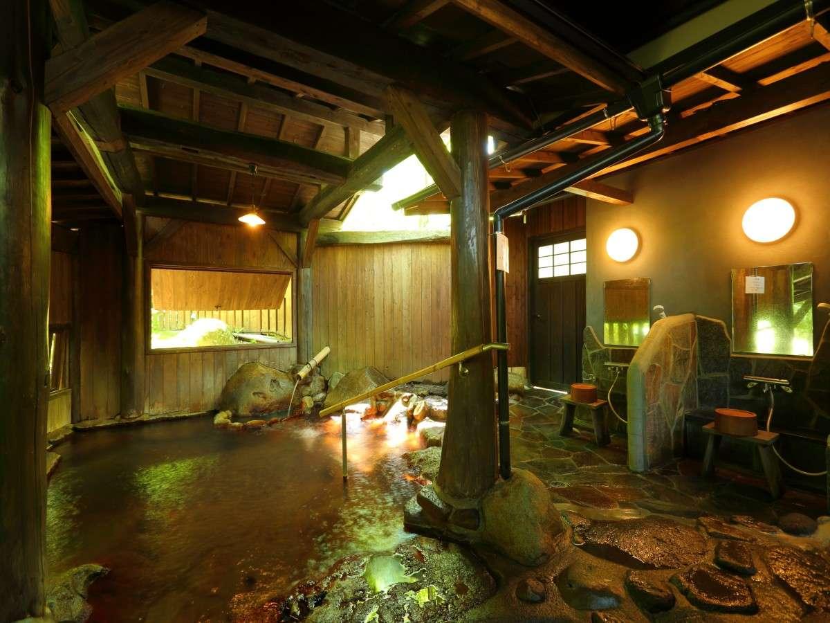 【ぎんねずの湯】シャワー設置。ボディーソープ、シャンプー、リンスあり。