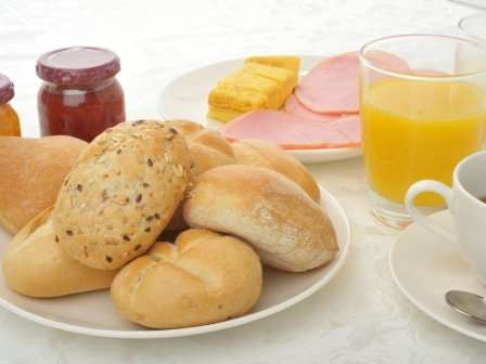 無料バイキング朝食