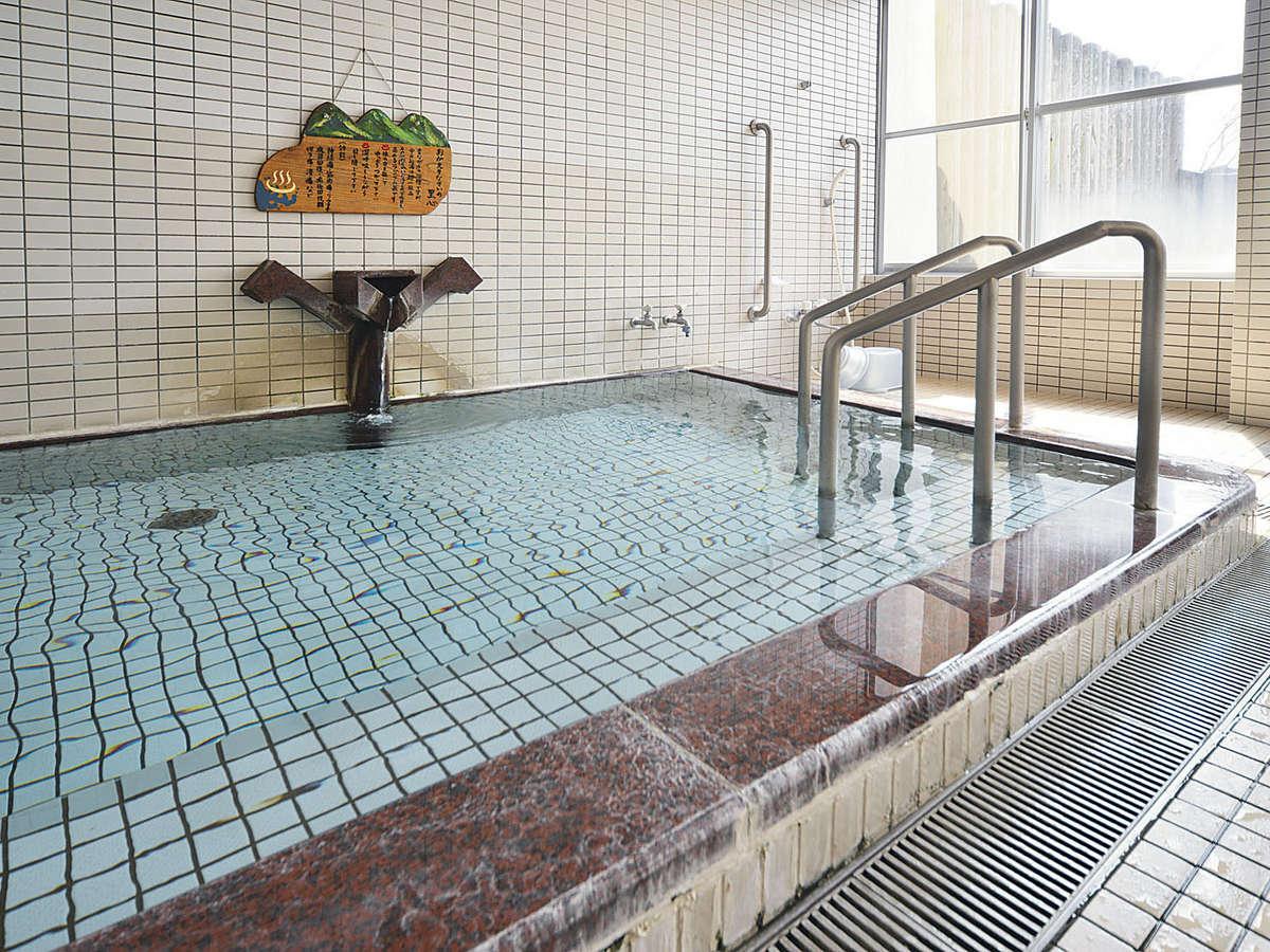 関金ラジウム泉(源泉100%)日本有数のラジウム温泉で身体の免疫力や自然治癒力を高める効果があります。