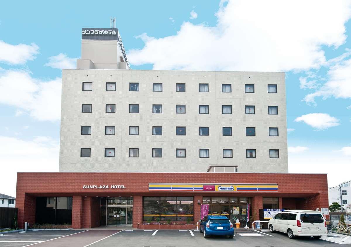 サンプラザホテル全景:正面