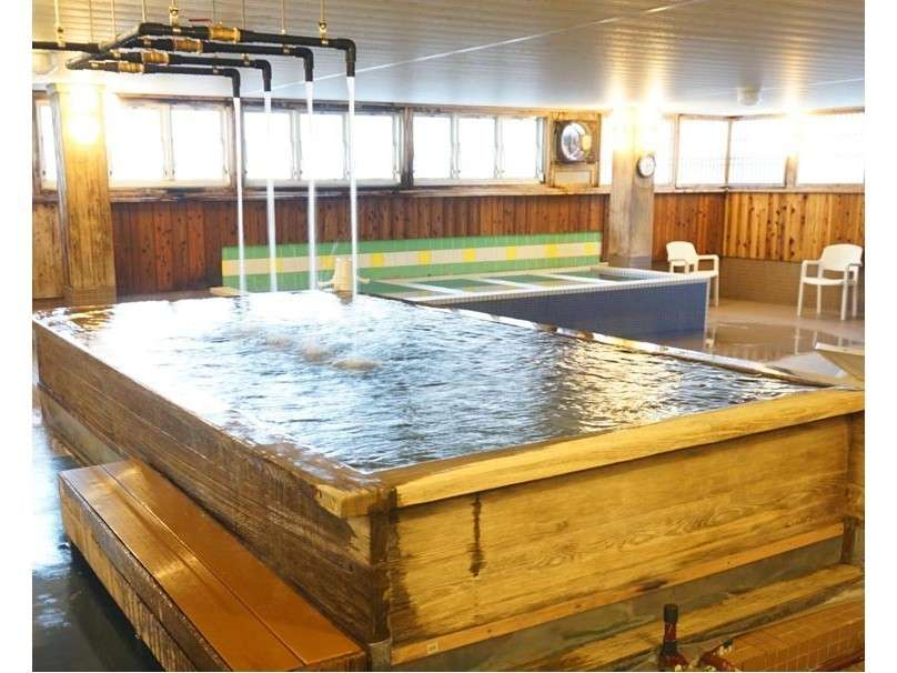 神戸ウォーター100%の天然水の水風呂です。