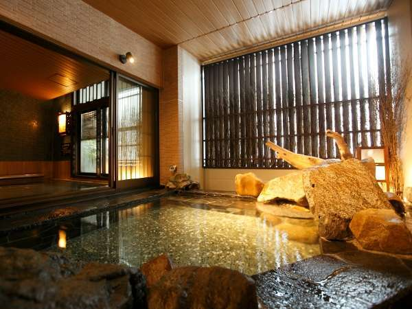 ◆男性外気浴岩風呂(約41~42℃)