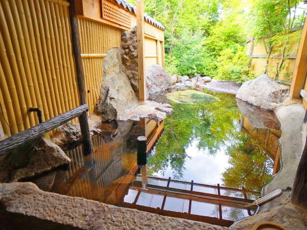 【露天風呂】季節の風景が楽しめる、夢ひろばの貸し切り露天風呂