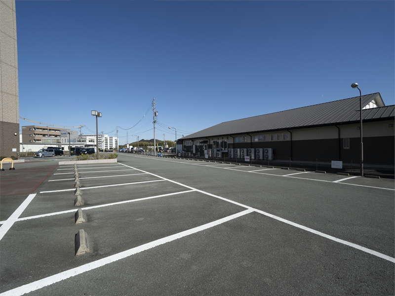 無料駐車場完備 事前のご予約で大型車も駐車できます!