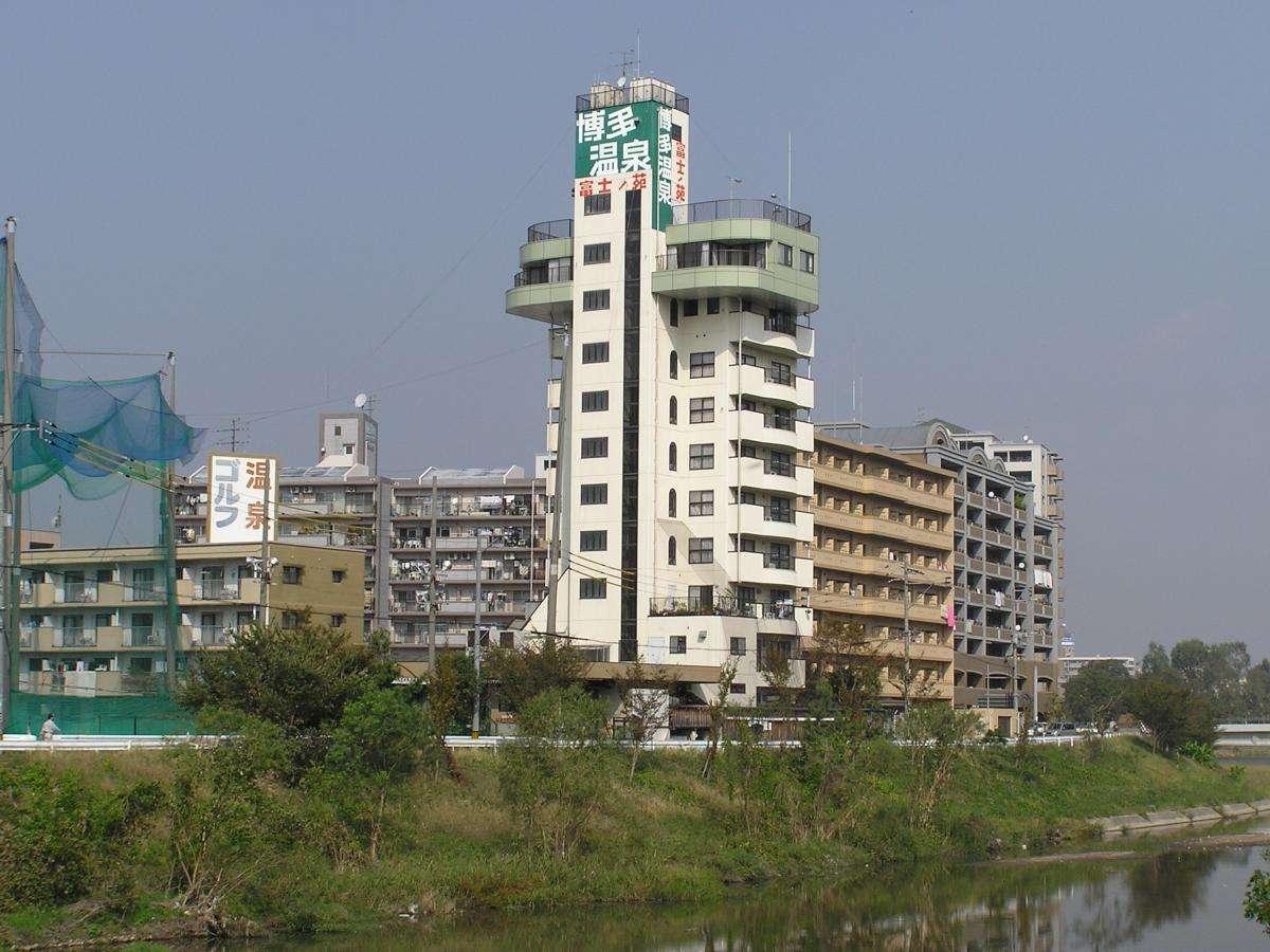 旅館外観那珂川河畔