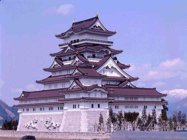 勝山城博物館 施設内では貴重な歴史的文化遺産など多くの展示物がご覧いただけます。