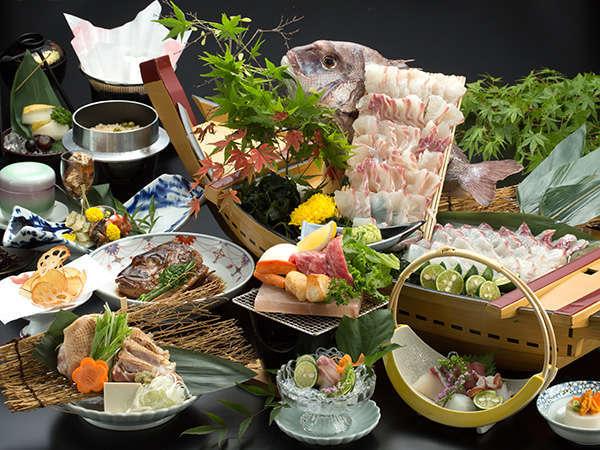 当館に人気No.1!極上阿波牛とブランド鶏の阿波尾鶏、そして鳴門の鯛がいっぺんに味わえます。
