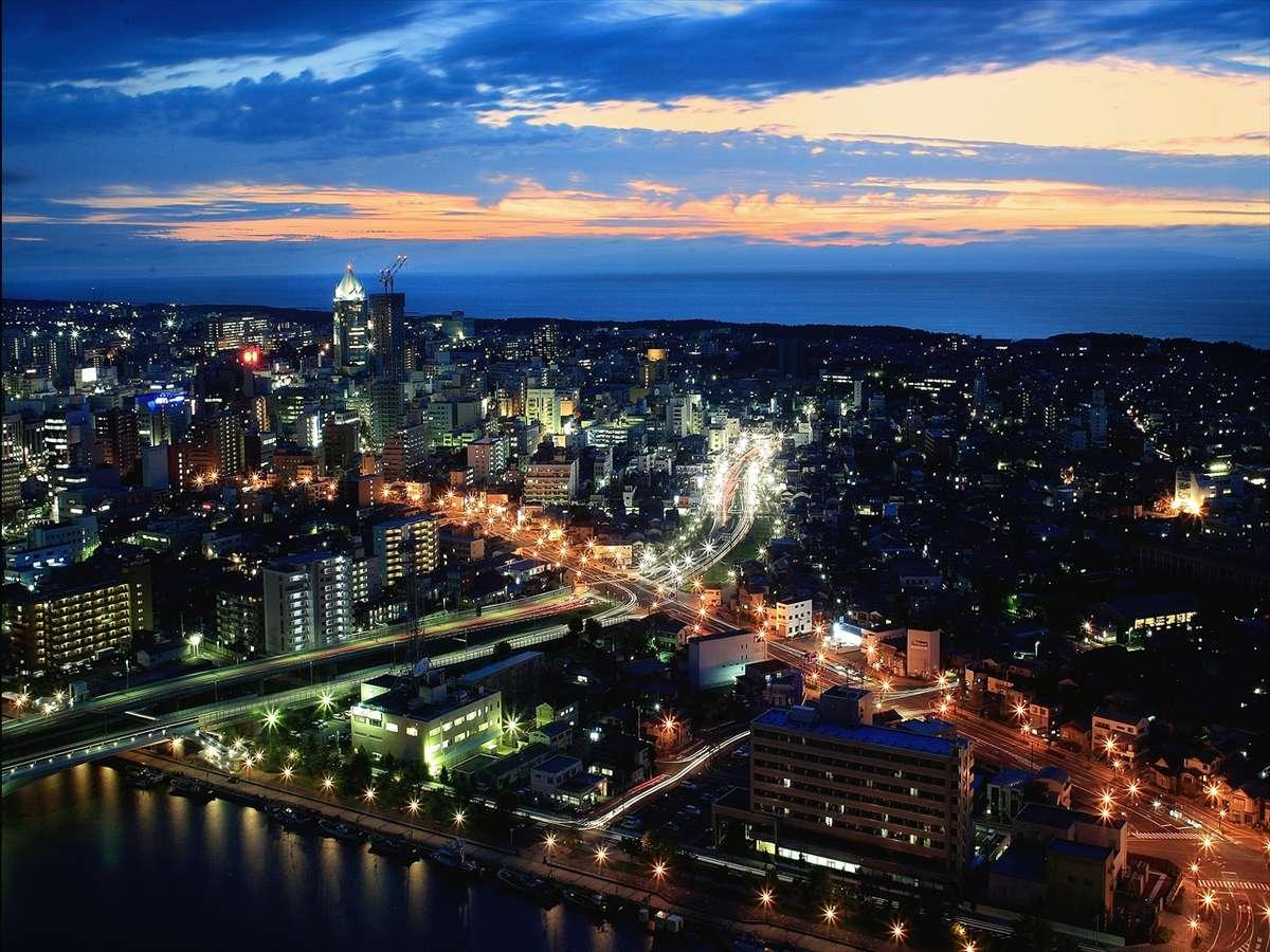 昼はオーシャンビュー。夜は、美しい夜景が眼下に広がる眺望(客室からの夜景/一例)