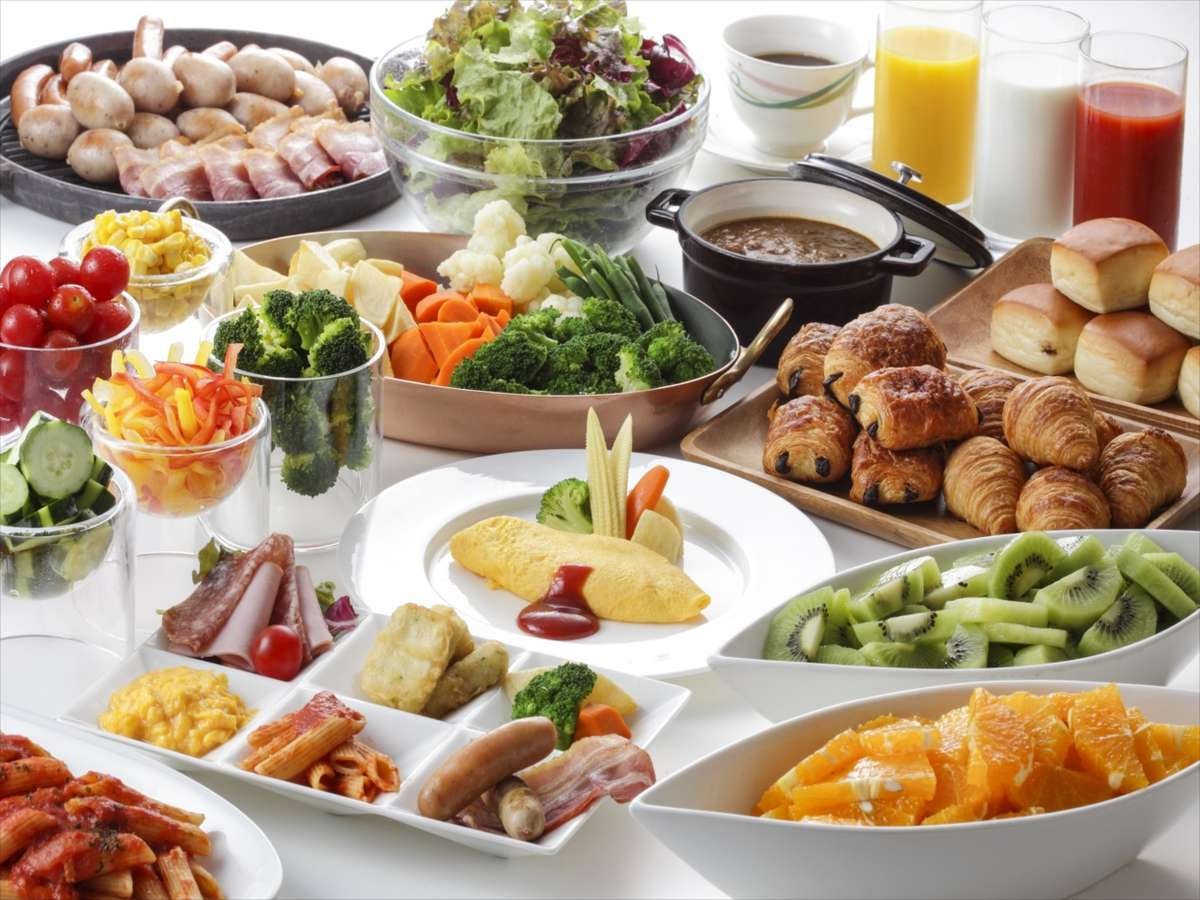 朝食は新潟の郷土料理やシェフが目の前で焼き上げるオムレツをご提供♪