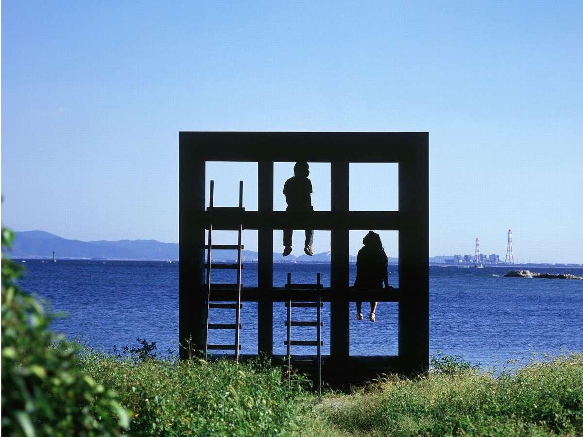 佐久島「海辺のおひねハウス」アート作品