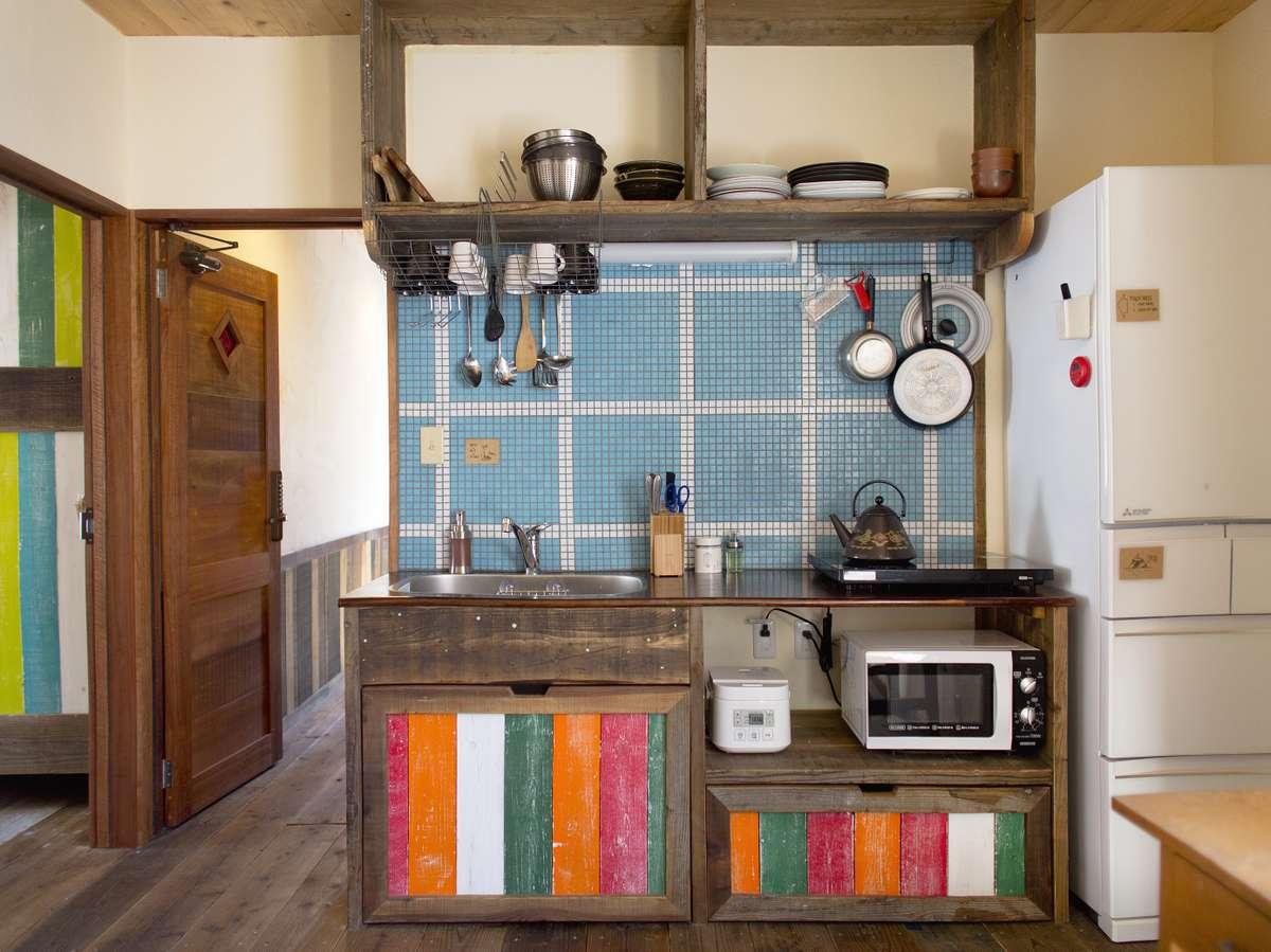 ケトル、電子レンジ、トースター、冷凍冷蔵庫、調理器具、食器&カップ、調味料が無料で使えます。
