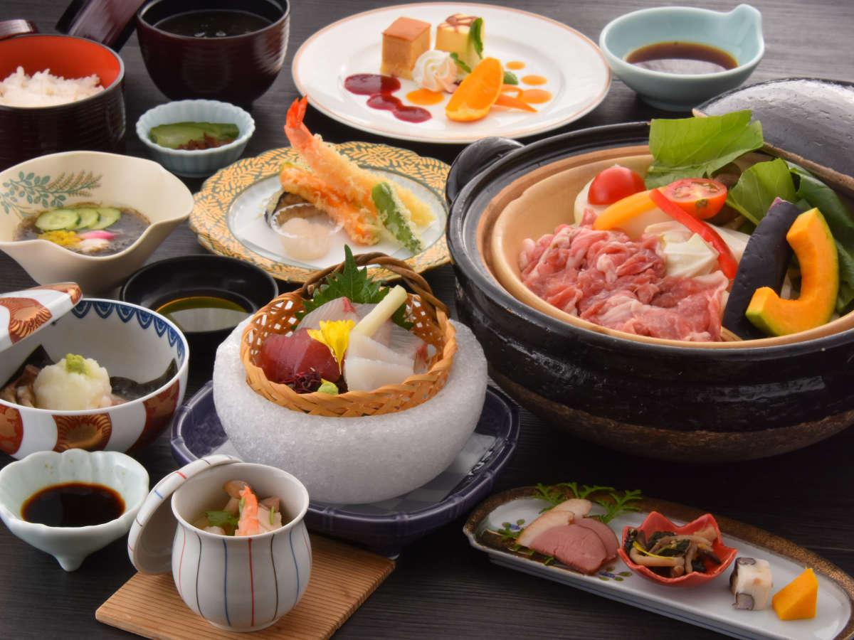 「くノ一会席」は三重豚と地場野菜の蒸し鍋がメイン