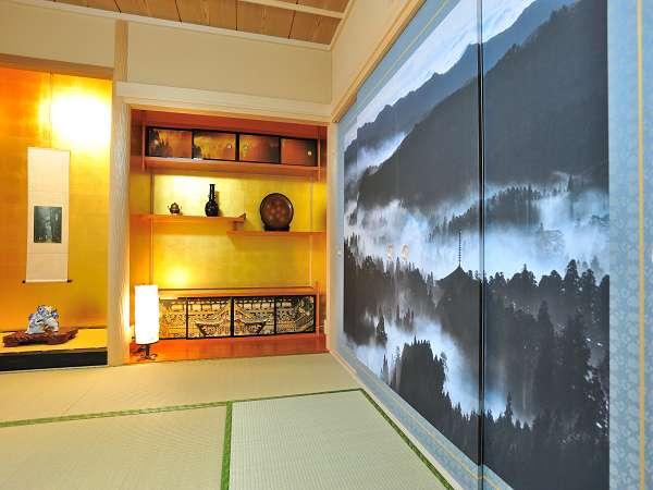 永坂嘉光先生が撮影した高野山の風景写真を高野和紙にプリントしたお部屋
