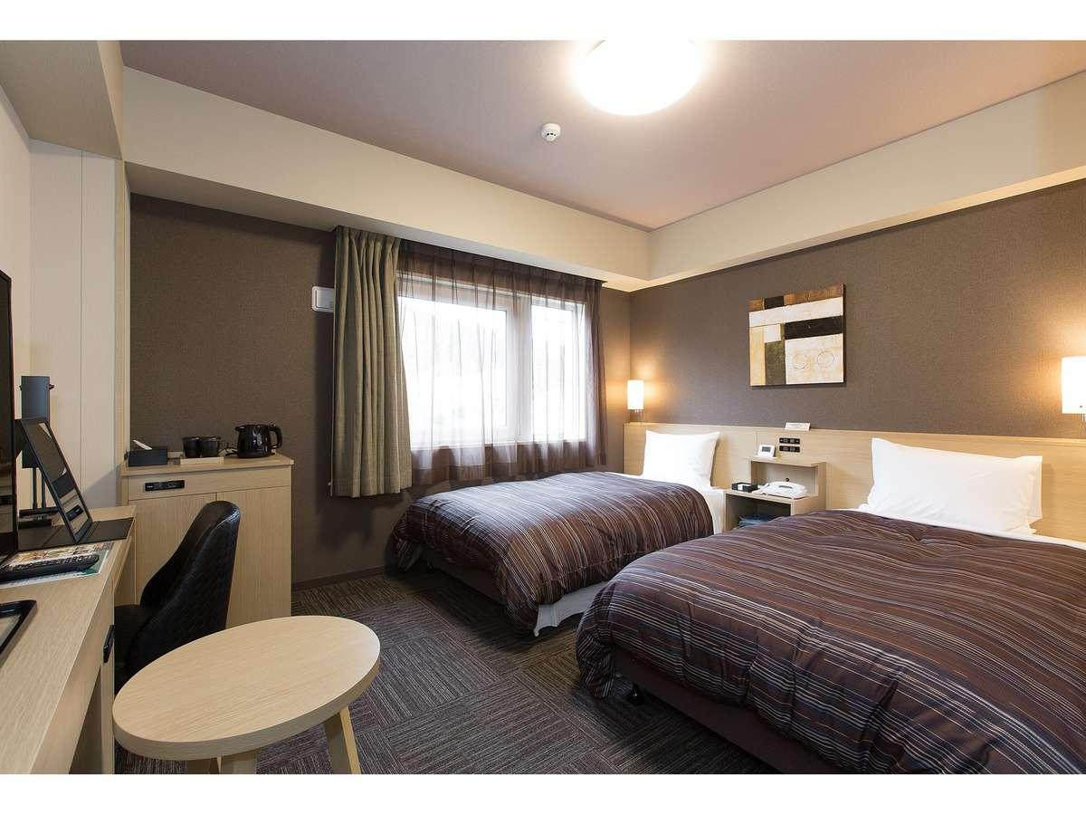 スタンダードツインルーム<ベッドサイズ110×200(cm)> 全ての客室でWOWOWをご覧いただけます。