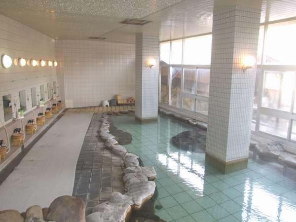 本当に広々とした大浴場は、とてもこの規模の旅館のものとは思えない