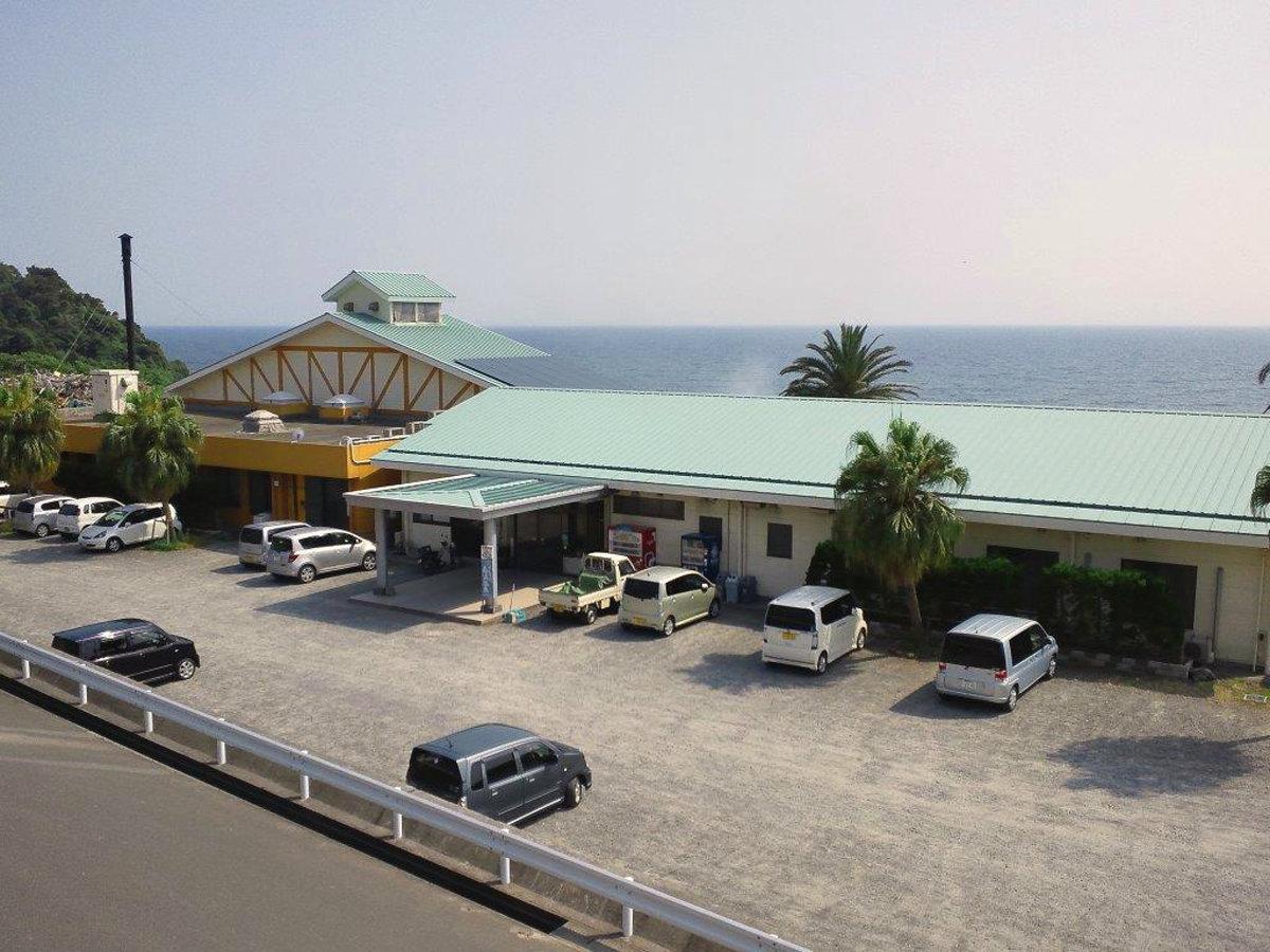 *東シナ海を一望できる高台にございます